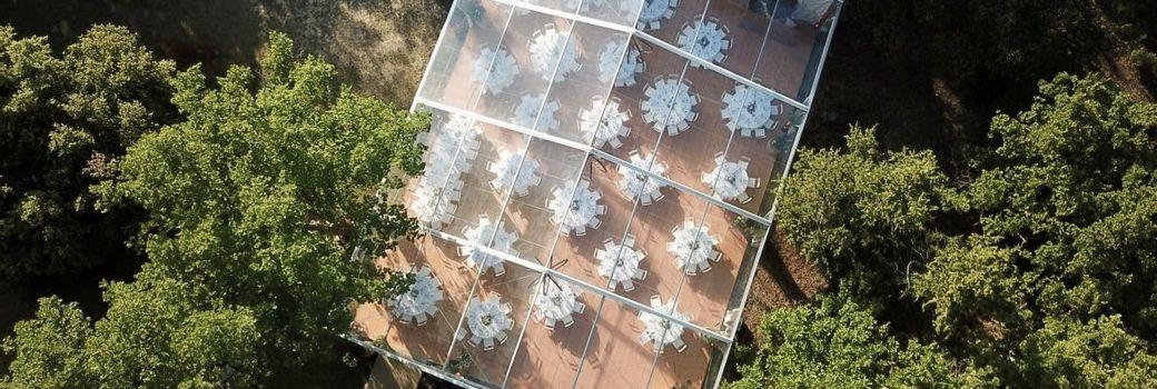 Réception de mariage sous un chapiteau Cristal à Aix en Provence