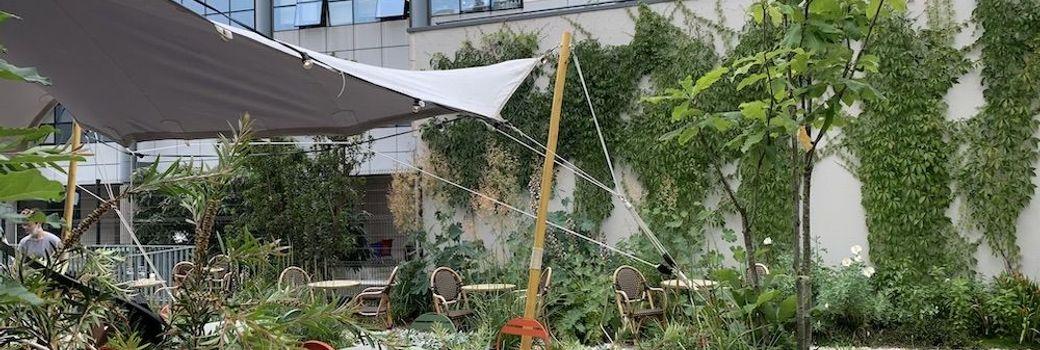 Abriter la terrasse d'un restaurant parisien