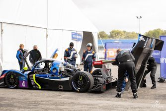 Atawa location stand pour une course automobile sur le circuit Paul Ricard